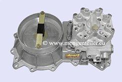 0438100088-|-0-438-100-088-Fuel-Distributor-with-0438120135-|-0-438-120-135-Air-Flow-Meter-👉-Regenerated-👈-Mercedes-Benz   0438100088 / 0 438 100 088 Bosch